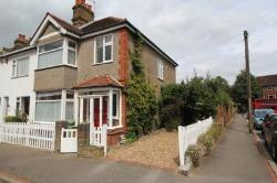 Semi Detached House To Let  Chislehurst Kent BR7