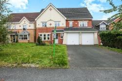 Detached House To Let Catshill Bromsgrove Worcestershire B61