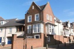 Semi Detached House To Let  Greenhithe Kent DA9