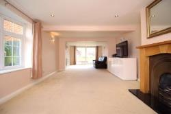 Detached House To Let Lane End Dartford Kent DA2
