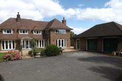 Detached House To Let Studham Dunstable Bedfordshire LU6