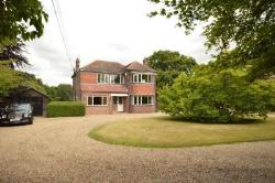 Detached House To Let Shorne Gravesend Kent DA12