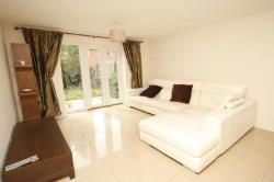 Semi Detached House To Let  Worcester Park Surrey KT4