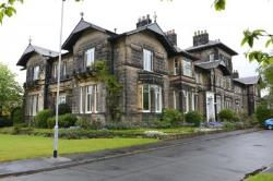 Flat For Sale  Leeds West Yorkshire LS16