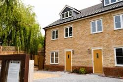 Detached House For Sale  Bozeat Northamptonshire NN29