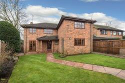 Detached House For Sale  Toddington Bedfordshire LU5