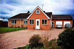 Detached Bungalow For Sale  Alcester Warwickshire B49