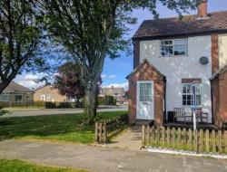 Terraced House For Sale  Gilberdyke East Riding of Yorkshire HU15