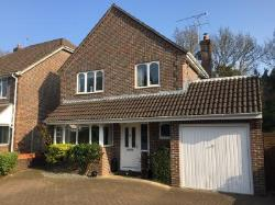 Detached House For Sale  Lindford Bordon Hampshire GU35