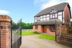 Detached House To Let  Noak Hill Essex RM3