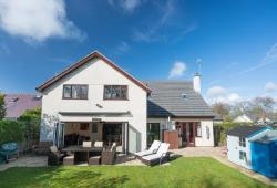 Detached House For Sale  Saughall Cheshire CH1