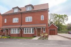 Detached House For Sale  Billingshurst West Sussex RH14