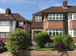 Detached House For Sale  Barnet Hertfordshire EN5