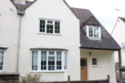 Detached House For Sale  Chesterton Gloucestershire GL7