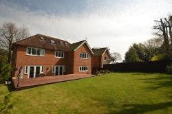 Detached House For Sale  Hawkinge Kent CT18