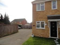Detached House To Let  Dagenham Essex RM9