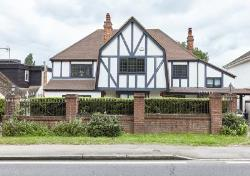 Detached House For Sale  London Hertfordshire EN4