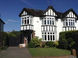 Detached House To Let  Esher Surrey KT10