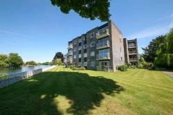 Flat For Sale  Staines upon Thames Surrey TW18