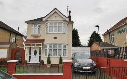 Detached House For Sale  Enfield Essex EN3