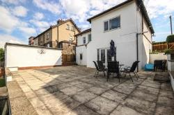 Detached House For Sale  Yeadon West Yorkshire LS19