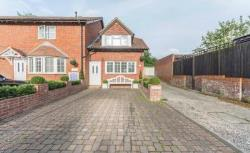 Terraced House To Let  Liphook Hampshire GU30