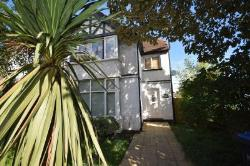 Flat For Sale  Staines-upon-Thames Surrey TW18