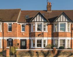 Terraced House For Sale  Boston Manor Middlesex TW8
