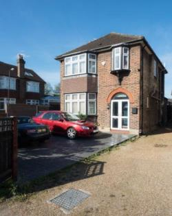 Detached House For Sale  London Greater London SW20