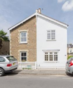 Detached House For Sale  Kingston Surrey KT2