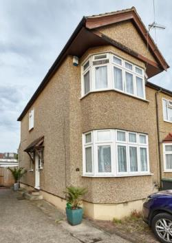 Detached House For Sale  Enfield Essex EN1
