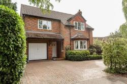 Detached House For Sale  Maids Moreton Buckinghamshire MK18