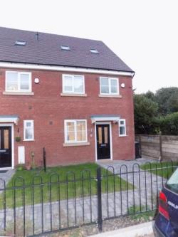 Terraced House To Let  West Midlands West Midlands B63