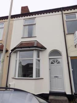 Terraced House For Sale  West Midlands West Midlands DY2