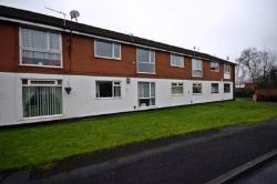 Flat To Let  Westhoughton Greater Manchester BL5