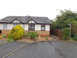 Semi - Detached Bungalow For Sale  Evesham Worcestershire WR11