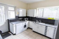 Room To Let  Newport Gwent NP20
