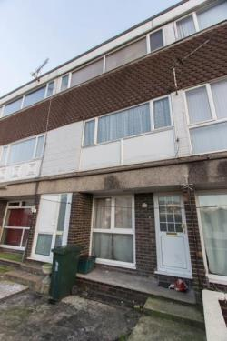 Maisonette To Let  Newport Gwent NP19