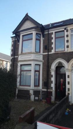Flat To Let  Cardiff Glamorgan CF14