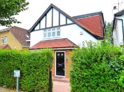 Detached House To Let  London Greater London NW11