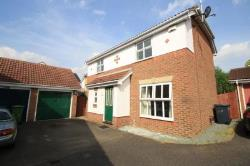 Detached House To Let  Chafford Hundred Essex RM16
