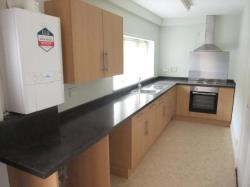 Terraced House To Let Huddersfield West Yorkshire West Yorkshire HD7
