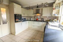 Terraced House For Sale  Nr Warwick University West Midlands CV4