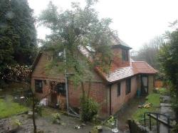 Detached House To Let  Bassett Hampshire SO16