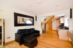 Detached House For Sale  Perivale Middlesex UB6