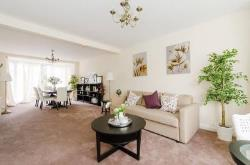 Terraced House To Let  Kingsbury Greater London NW9