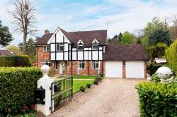 Detached House For Sale  Sunnighill Berkshire SL5