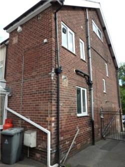 Terraced House To Let KIRKSTALL LEEDS West Yorkshire LS5