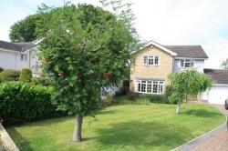 Detached House To Let  ILKLEY West Yorkshire LS29