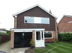 Detached House To Let ALWOODLEY LEEDS West Yorkshire LS17